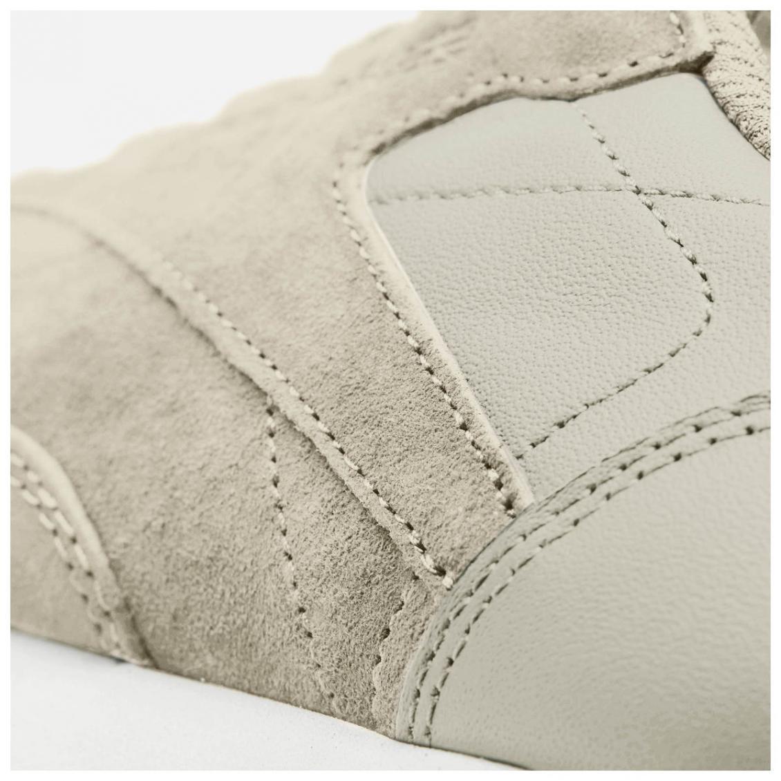 Beige – Reebok Classic Leather EB Womens Sand Stone / Chalk / Sour Melon / Gum